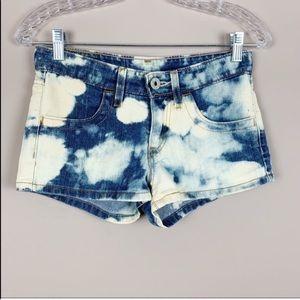 🌿Levi's Bleached Jean Shorts